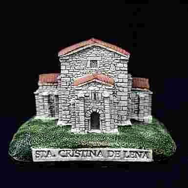 Iglesia de Santa Cristina de Lena en Pola de Lena (Asturias)