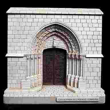 Portada de Santa María del Puerto de Santoña (Cantabria)
