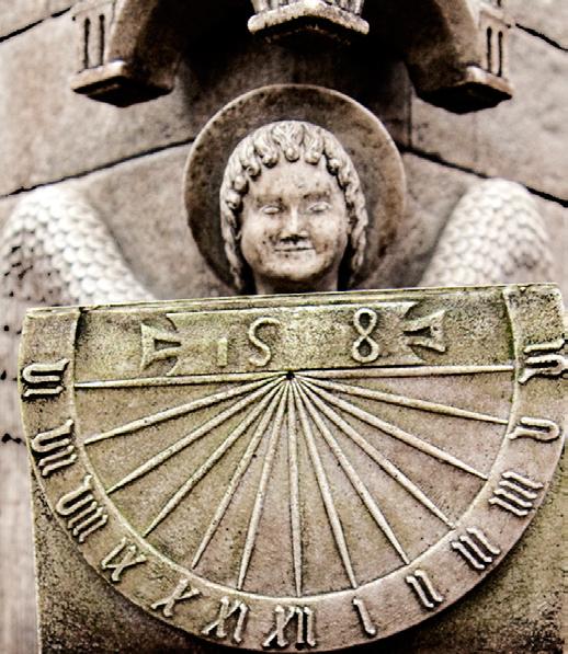 Ángel del reloj astronómico de la Catedral de Chartres (Francia)