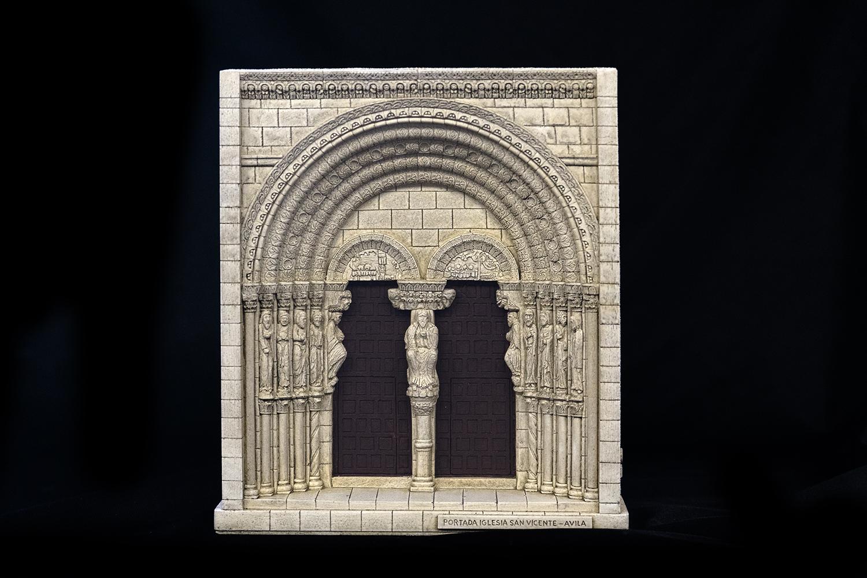 Portada de la iglesia de San Vicente de Ávila (Ávila)