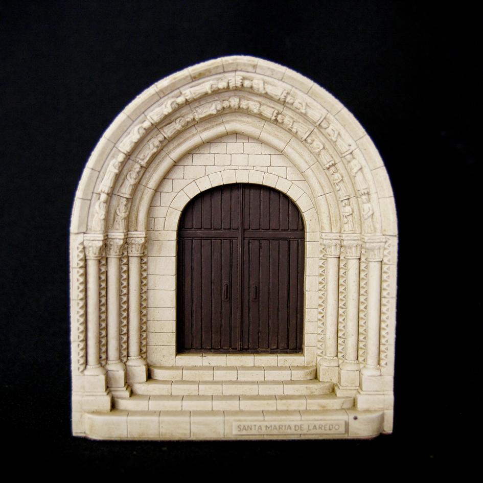 Portada de Nuestra Señora de la Asunción de Laredo (Cantabria)