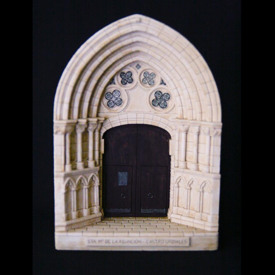 Portada de Santa María de Castro Urdiales (Cantabria)