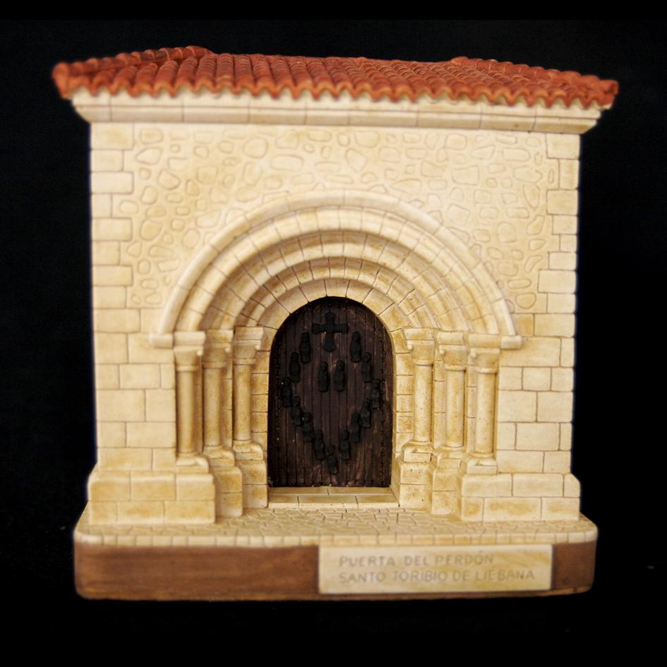 Portada de Santo Toribio de Liébana (Camaleño) (Cantabria)