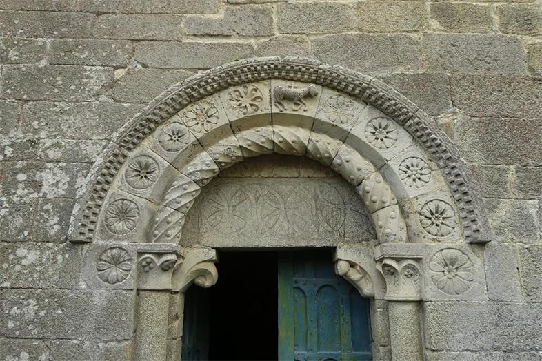 Ribeira Sacra. Arte románico en el bosque sagrado